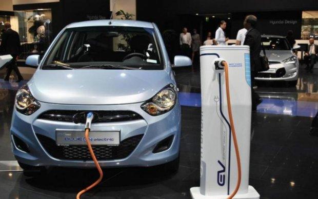 """Hyundai вступит в """"зеленую"""" гонку электрокаров"""