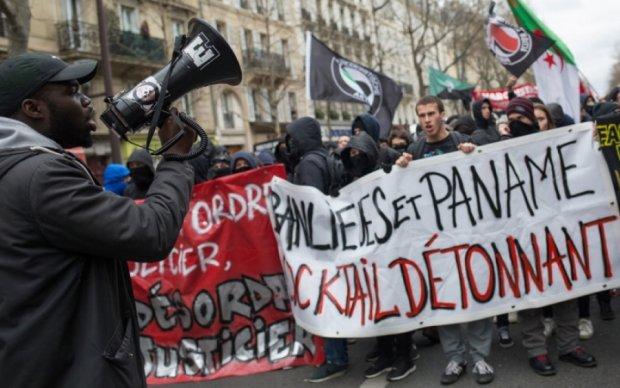 Париж в огне: опубликованы кадры ожесточенных стычек с полицией
