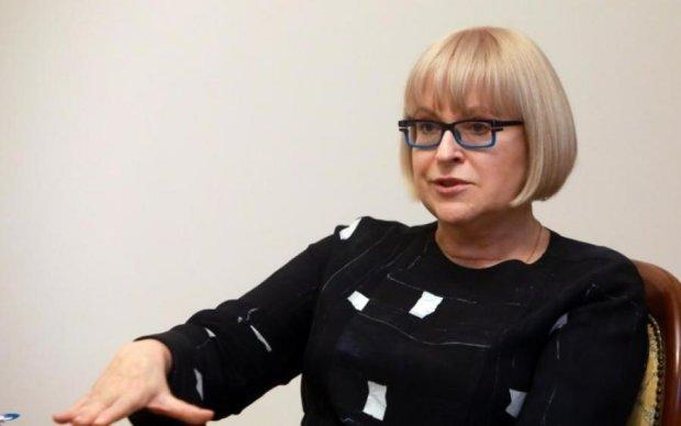 Завтра Катерина Амосова звітуватиме в МОЗ