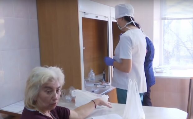 у лікарні, скріншот з відео