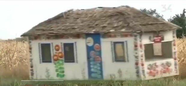 """Днепровский умелец превратил """"Запорожец"""" в дом на колесах: """"Крыша едет"""""""