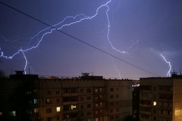Погода в Харкові на 16 липня: стихія викупає українців під крижаним душем, доведеться ловити дрижаки