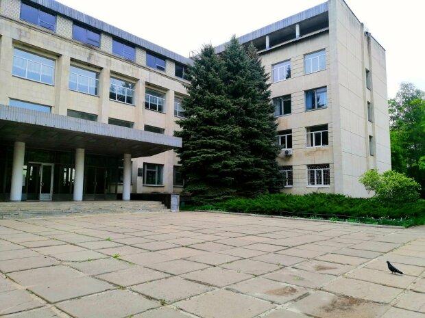 В Харькове накрыли обнаглевших амбалов: замахнулись на университет