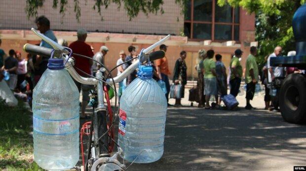 """""""Нужно было запасаться"""": тысячи днепрян остались без воды"""