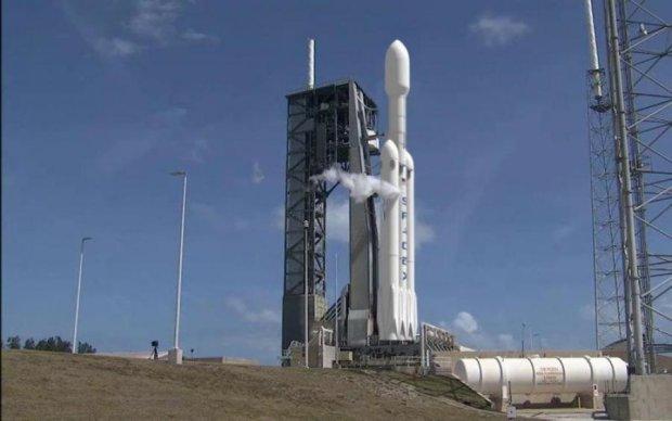 На низькому старті: Маск похвалився надважкою ракетою