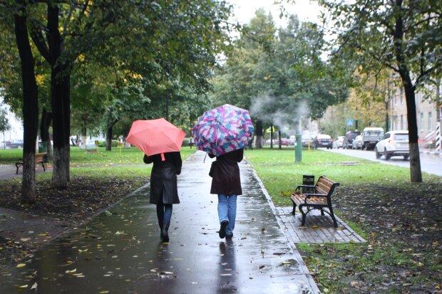 Середа у Франківську буде мокрою: захопіть парасольки 20 листопада