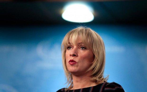 Як Масяня: Захарова накурилася з голлівудським підлабузником Путіна