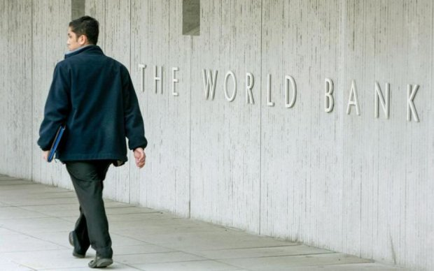 Світовий банк зажадав жорстких перевірок українців