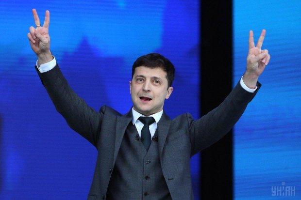 """Зеленський створить """"Країну у смартфоні"""": слуга народу зірвав овації на іForum"""
