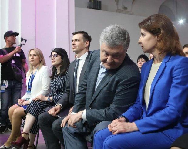 """Порошенко вернулся в Украину: """"тайно ночью"""", вывезли два """"Мерседеса"""""""