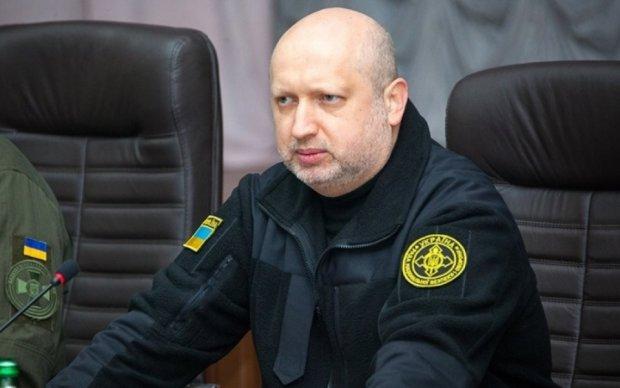 Турчинов заявил о расширении российской военной агрессии