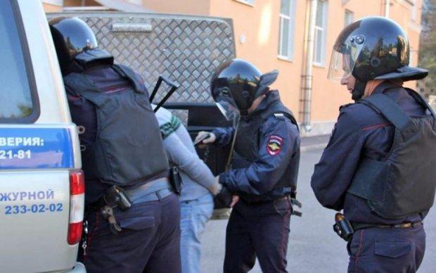 Суровые российские копы пытались остановить бандита... снежками, видео