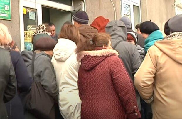 Тернополяни масово відкривають робочі візи, час на заробітки - карантин з'їв всі заощадження