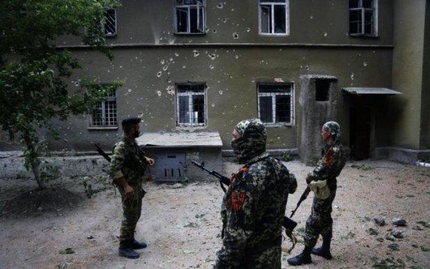 Маріуполь у вогні: путінські бойовики готують тотальний наступ