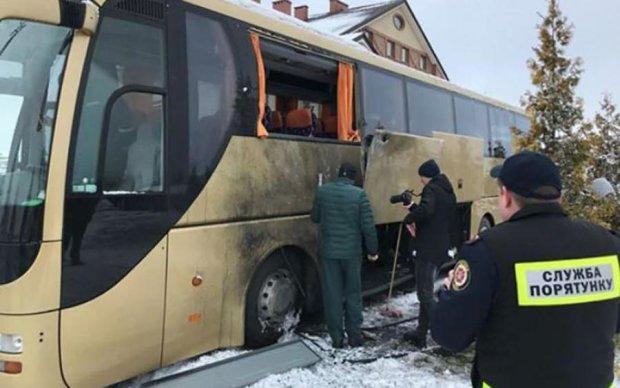 У польський автобус на Львівщині стріляв невідомий
