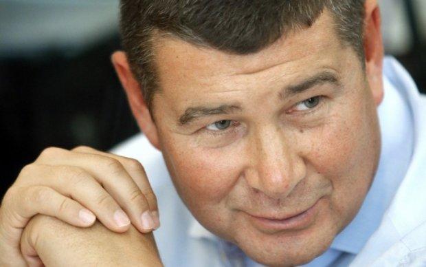 Онищенко заявил об освобождении матери
