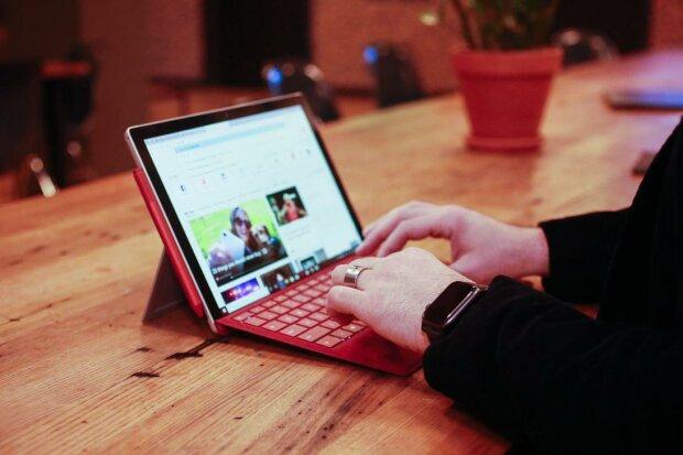 Surface Pro 7, CNET
