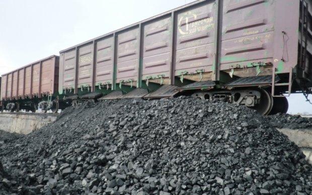 Росія відхрестилася від покупки донбаського вугілля - вона його успішно краде