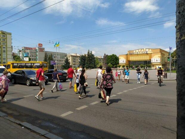"""Во Львове банда """"золотых ручек"""" напала на ветерана АТО - мешала грабить"""