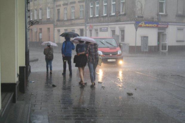 Погода в Львове на 19 июня: украинцев ждут солнечные ванны с дождем