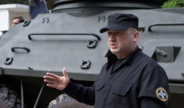 """""""Випускати кращу військову техніку, ніж у ватників - замало"""" - Турчинов (фото)"""