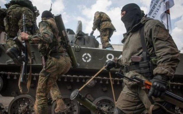 Жодної честі: бойовики обстріляли автобус з цивільними