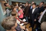 Главные новости за день среды, 19 февраля: украинцы восстали против больных, обозвали Зеленского в лицо и заключили контракт со Стивеном Кингом