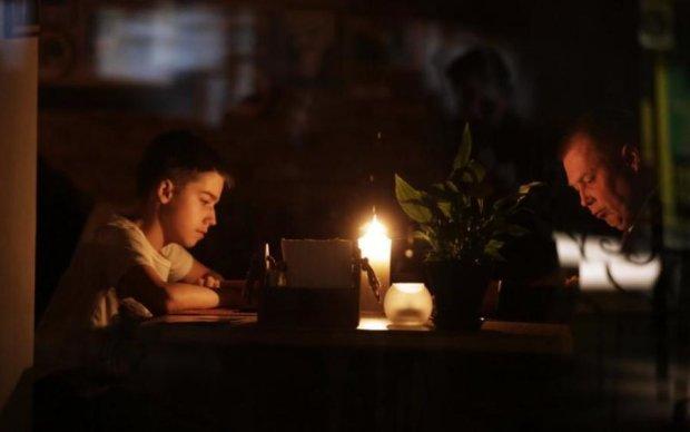 Відключення світла в Криму: стала відома причина НП