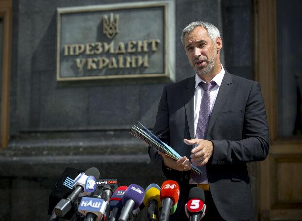 Рябошапка крепко взялся за чиновников: генпрокурор озвучил план по посадке