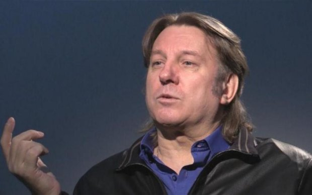 "Непопулярний, та ще й гей: ""великий критик"" Лоза взявся за легенду AC/DC"