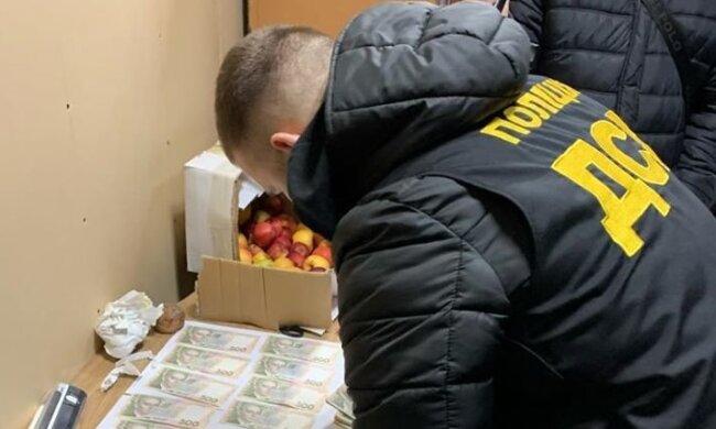 На Тернопільщині чиновник попався на великому хабарі і заплатив смішний штраф
