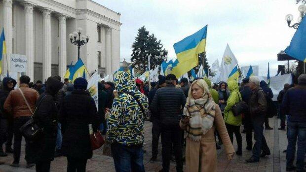 Головні події дня 30 жовтня: Facebook визнав Крим російським, Данія зрадила Україну, Україна відмовилася від НАТО