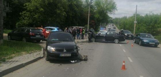 Франковск на ушах из-за масштабной аварии - машины не поделили дорогу и превратились в фарш