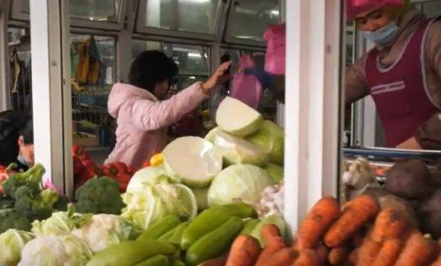 Овочі на ринку, кадр з відео, зображення ілюстративне: YouTube