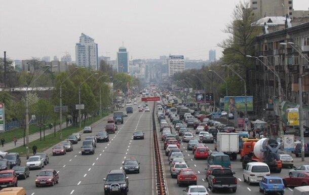Водители, будьте внимательны: в Киеве ограничат движение, куда лучше не соваться