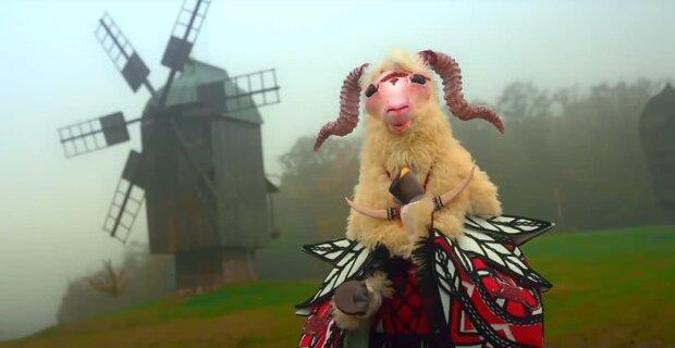 """Коза """"Маска"""", скриншот: Youtube"""