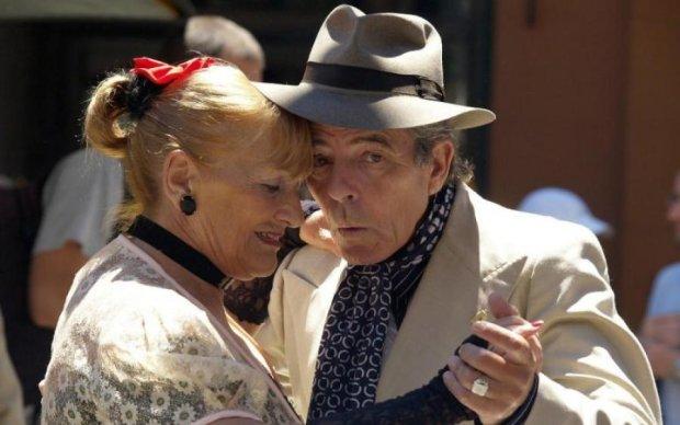Клубничка за 40: все, что нужно знать о возрастном интиме