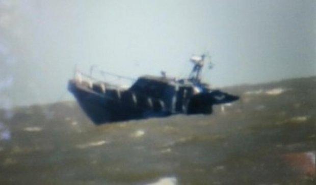 Біля Маріуполя вибухнув прикордонний катер