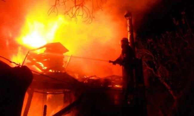 Під Києвом під час пожежі загинула жінка (фото)