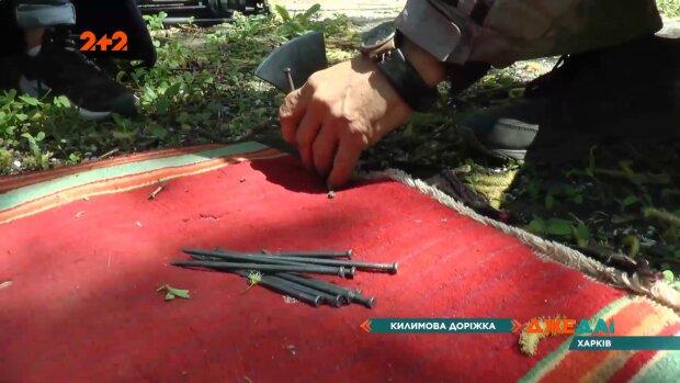 Харьковским коммунальщикам провели мастер-класс по ремонту: уютно, как у бабушки
