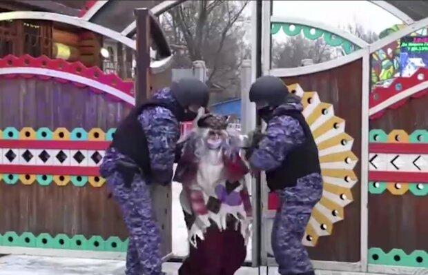Баба Яга обікрала Діда Мороза, кадр з відео