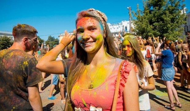 """В Одессе состоялся """"Holi color fest"""" (фото)"""