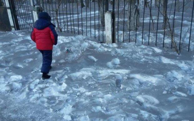 Аномальний сніг налякав українців: відео