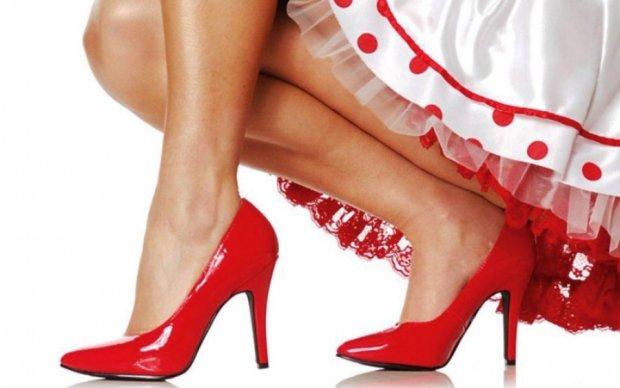 Обувь на каблуках вредит женщинам