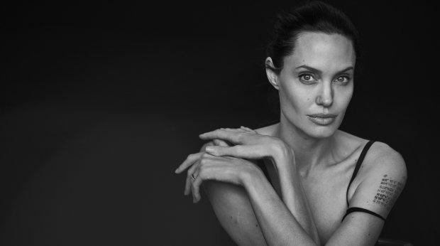 Стає тільки гірше: Анджеліну Джолі паралізувало
