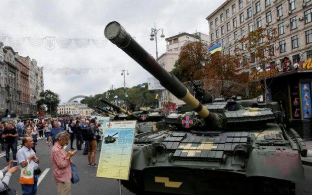 Боевик сделал селфи с киевским копом: соцсети в ярости