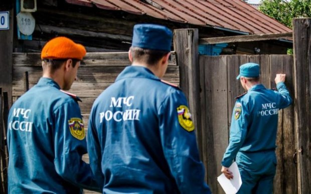 Спасатели боялись подойти: дикое видео с обгоревшим россиянином поразило весь мир