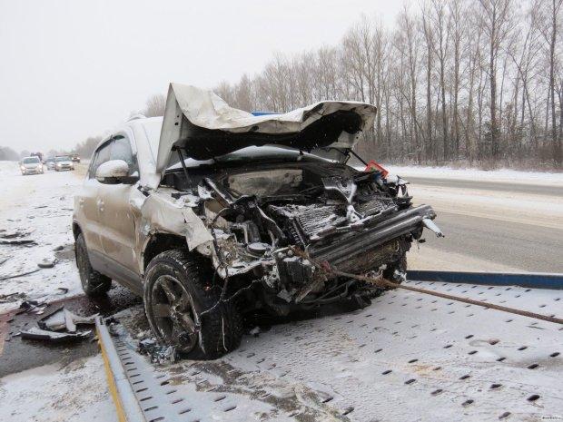 Дві родини з дітьми зустріли смерть на дорозі, повертаючись після Нового року