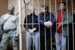 Українським морякам продовжили арешт у Росії: скільки матерям чекати синів додому
