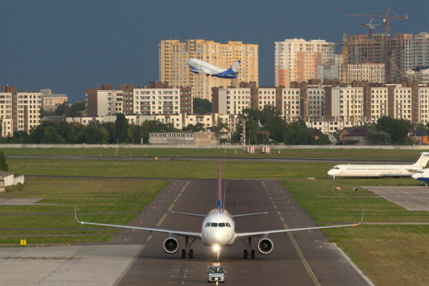 """Київський аеропорт """"Жуляни"""" закриють, усі рейси перенесуть: що обов'язково потрібно знати"""